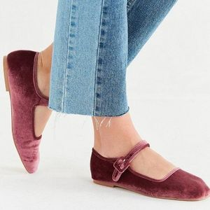 Urban Outfitters velvet mary janes size 7